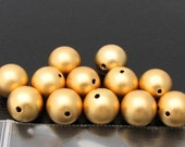 Vintage gold faux pearls (12)
