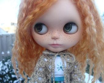 Ayalaythe crochet poncho for Blythe doll