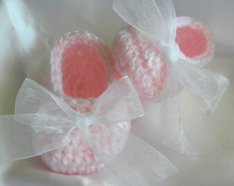 Crochet Baby Booties, Newborn Baby Booties, Pink Baby Booties, Christening Booties, Slipper Booties with White Ribbon, Photo Prop Booties