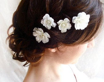 white flower hair pins, white hair clips, pearl hair pins, bridal hair pins, floral hair pins,