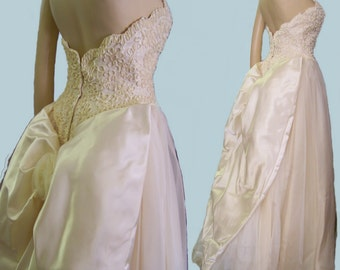 60s Wedding gown ivory chiffon Mike Benet strapless size 4