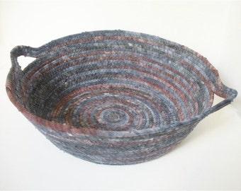 Granite Butcher Block Handled Bowl