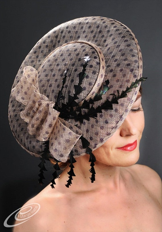 Items similar to Elegant couture fascinator hat for Ascot ...
