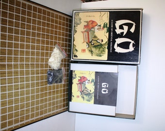 1977, GO, a Game of ORIENTAL Strategy, Complete, Bookshelf game,style number 28 ,john Hansen Co.