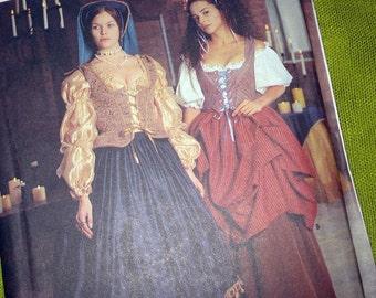 Vintage Repro Renaissance Gown Sewing Pattern - Simplicity 8715 Historic Pattern Costume / Size 4-6-8 UNCUT