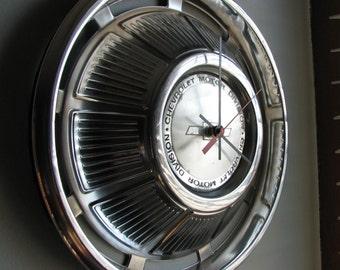 1969 Chevrolet Impala hubcap clock   no.2520