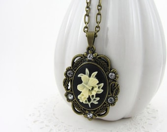 Vintage Inspired Cameo Necklace