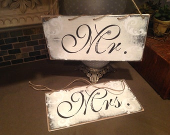 Mr. and Mrs. sign set.