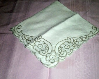 Vintage Napkins - Vintage Table Linens - Floral Design Napkin - White Napkin - Pink Napkin - Old Cloth Napkins - Kitchen Napkins