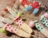 jiajiadoll- Hand Knit- 3 Pairs dot pompom socks fits momoko- blythe -Misaki- Unoa light- Lati yellow