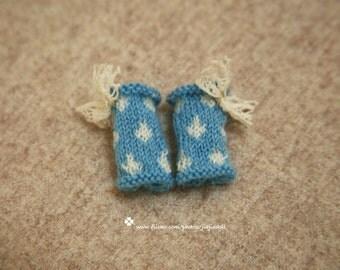 jiajiadoll- Hand Knit- water blue drop dot lace bowknot socks / leg warmers fits momoko- blythe -Misaki- Unoa light- Lati yellow