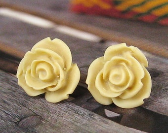 Pretty ivory rose post earring