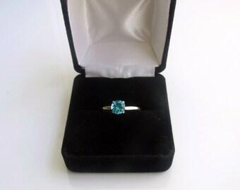 Black Velour Single Ring Box