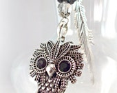 Beautiful Hook Style Feather Bookmark With Cute Owl Pendant and Beads