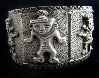 Vintage Peruvian Bracelet with Figures 900 Silver