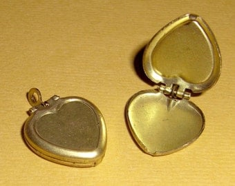 Vintage 6 Brass Heart Lockets 20X15MM    AL4