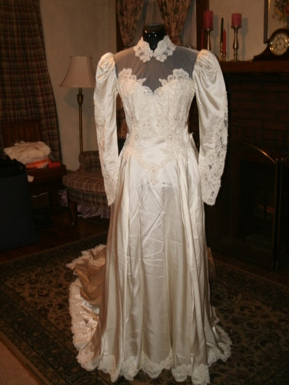 custom made ivory slipper satin wedding dress gown with lace