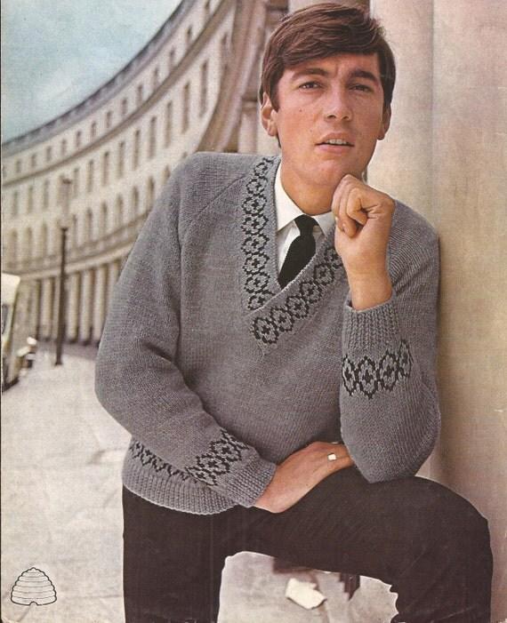 Knitting Pattern Mens Raglan Cardigan : PDF Knitting Pattern Mens V Neck Raglan Sweater with border