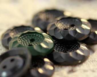 Lovely VINTAGE Sunflower Motif Carved Colorful Buttons - Two Choices (8 or 6) Black - Green, Purple - Pink