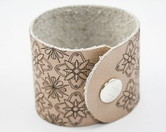 Leather Cuff - Modern Floral Pattern - Laser Engraved (Tan / Taupe) - Size Large