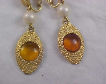 Art Glass Topaz & Textured Gold Plate Simulated Pearl Clip Earrings