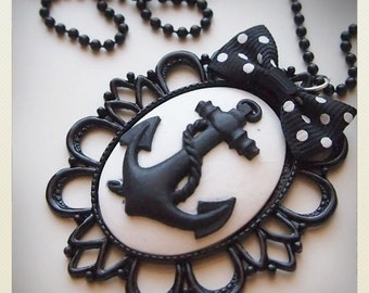 Large Old School Pin Up- style Anchor came necklace, white, black bow