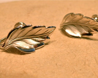 ON SALE 70% OFF -- Vintage Sterling Leaf Screwback Earrings