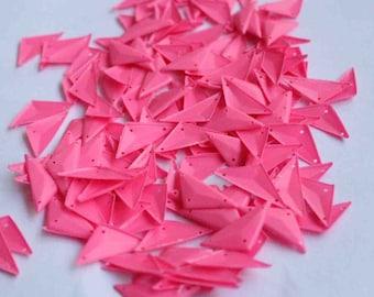 25 pcs  sequins.......Pink color Triangle shape