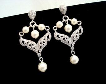 Crysta Bridal earrings, Pearl Wedding earrings, Chandelier Bridal earrings, Rhinestone earrings, Wedding jewelry, Vintage style earrings