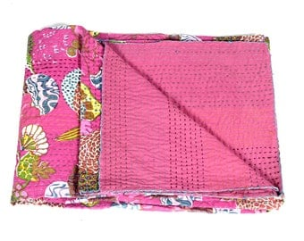 Twin Size Bedcover in Light PInk - Throw - Katha quilts - Reversible Quilt - Quilted bedcovers - Floral Quilt - Spring Collection Quilts