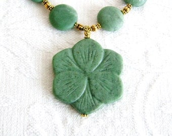 Large Green Marble Flower Pendant Necklace