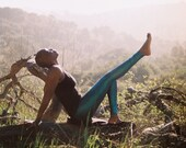 athletic clothing // tight pants // sexy leggings // blue leggings // metallic leggings // leggings are pants // hot yoga pants // dancewear