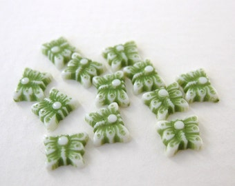 Vintage Plastic Cabochon Green Butterfly Tiny Carved Lucite Japan 8mm pcb0248 (12)