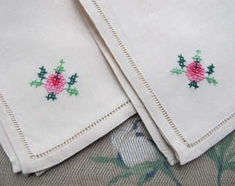 Popular items for napkins linen on Etsy