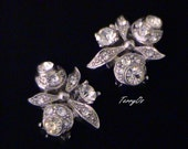 Beautiful Vintage Deco Rhinestone Floral Earrings