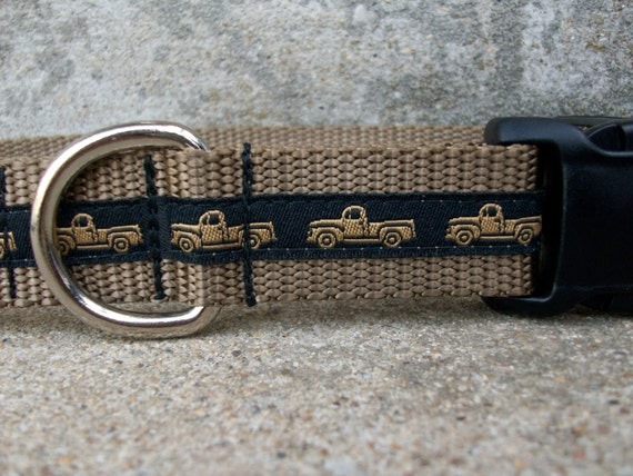 Pickup Truck Dog Collar, Vintage Trucks - Side Release Buckle Style in Size L Only