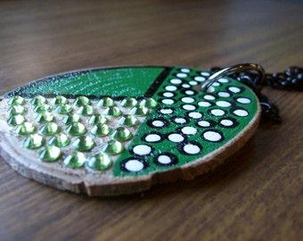 Wooden jewellery.Magnolia wood pendant.'Etoile verte' Green rhinestones