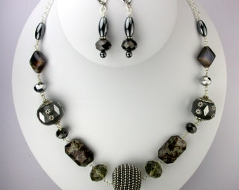 Big Bold and Gray Necklace Set