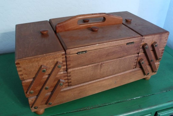 sewing box vintage wooden 2