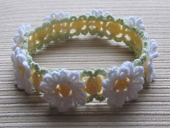 Number 101 pdf  CROCHET PATTERN White and Yellow Daisies  Headband for a Girl