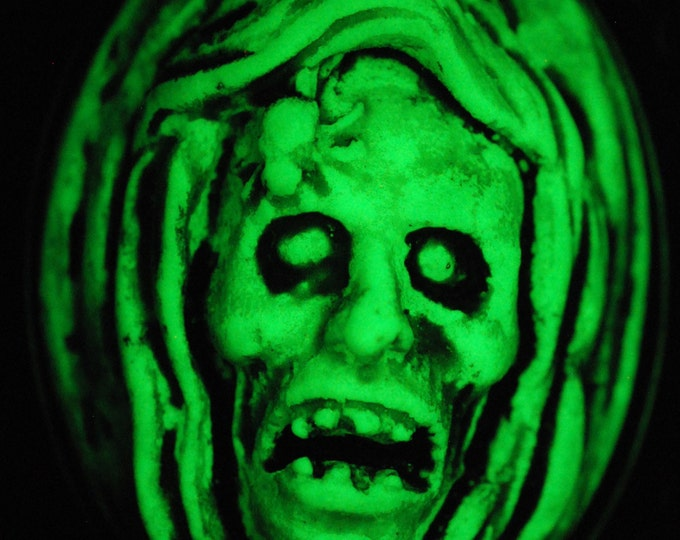 Ghoul Cameo Necklace Glow in the Dark - Zombie Necklace - Creepy Skull Ghoul