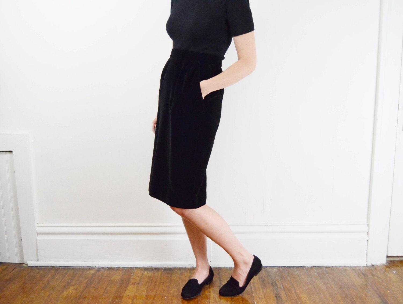 1980s black velvet pencil skirt m