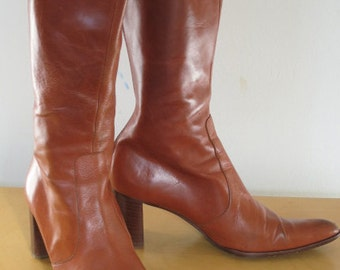 DIANE // caramel brown 1970s leather heeled knee length boots