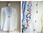 1970's White Hippie Boho Ethnic Floral Long Sleeve Peasant Top Shirt Blouse
