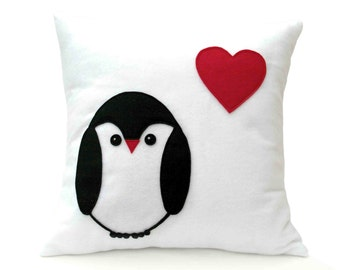 Penguin Love Pillow Cover appliquéd Eco-Felt Red Heart 18 inches