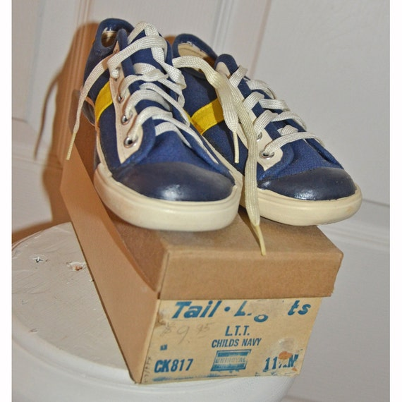 Vintage 1970s Keds Tail Light Childs Sneakers Mint By