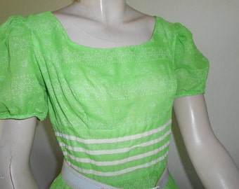 Green w/White Dress w/ Puffy  Short Sleeves and Full Skirt - Size M