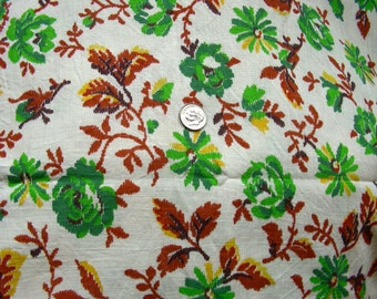 Vintage Feed Sack Cotton Quilt Fabric   - PRETTY GREEN Cabbage Roses with Pale Gold and Brown Leaves    - STILLaSack