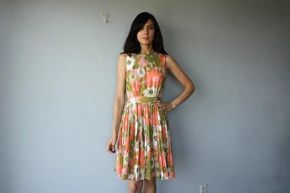 1960s dress / 60s dress /  1960s party dress / pleated party dress / mod floral print dress - size small