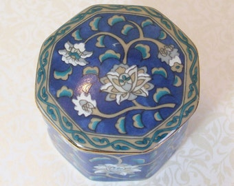 Blue Japanese Porcelain Trinket Box White Gold Octagonal Vintage Ring